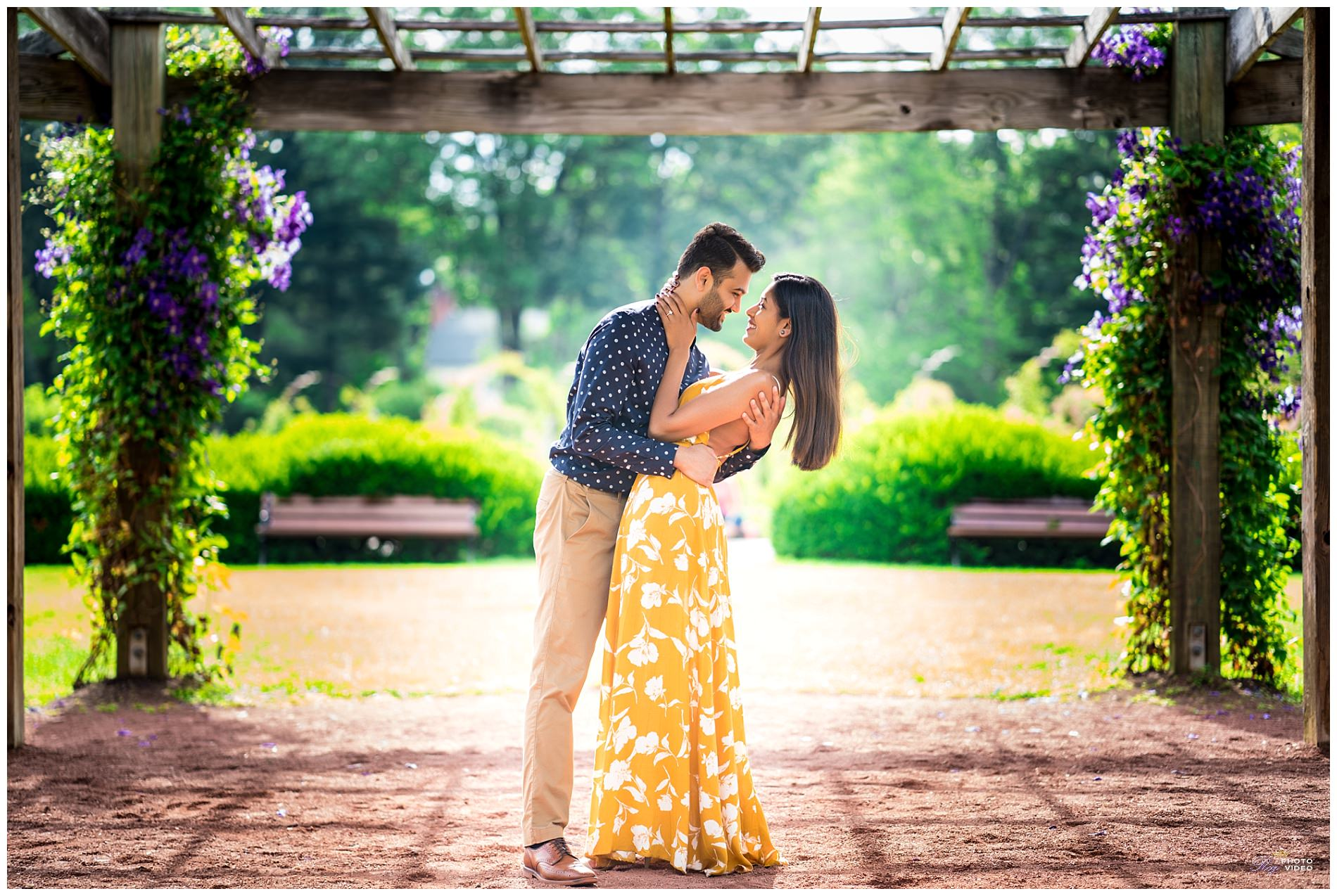 Elizabeth-Park-Rose-Garden-Hartford-CT-Engagement-Shoot-Pratiti-Suraj-17.jpg