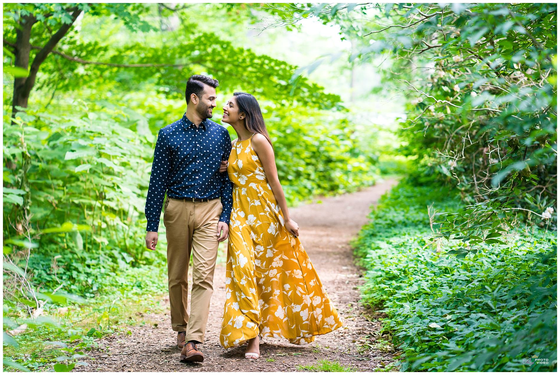 Elizabeth-Park-Rose-Garden-Hartford-CT-Engagement-Shoot-Pratiti-Suraj-20.jpg