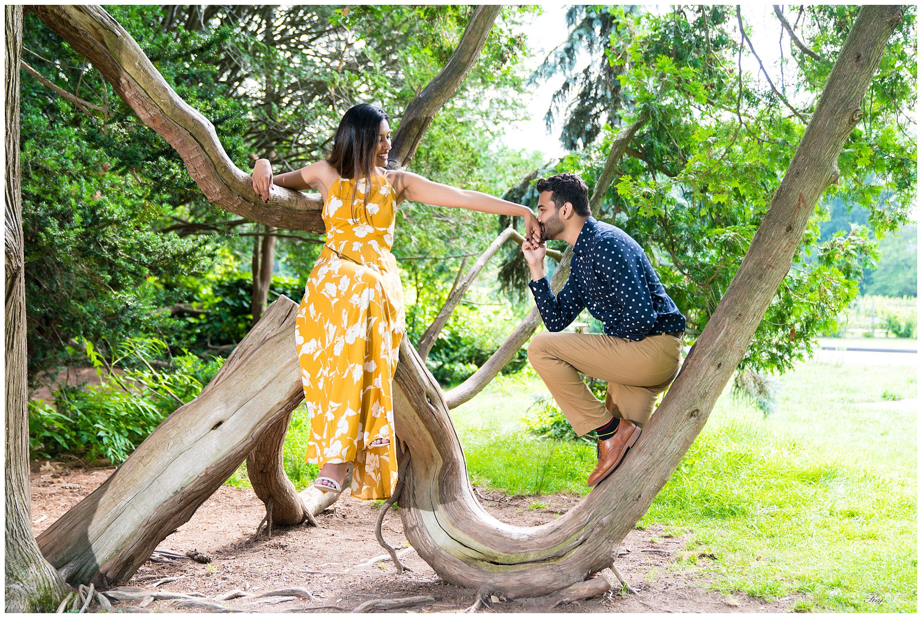 Elizabeth-Park-Rose-Garden-Hartford-CT-Engagement-Shoot-Pratiti-Suraj-24.jpg