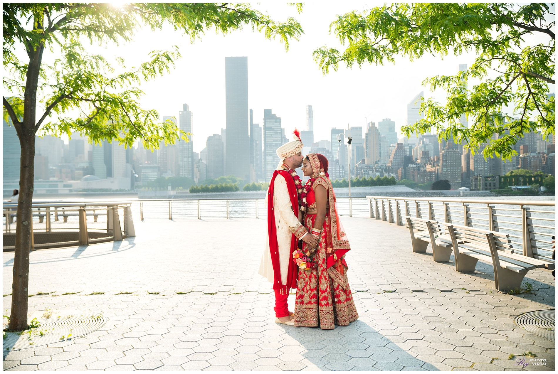 Gantry-State-Plaza-Park-Bridal-Party-Shoot-Diana-Shaun-7.jpg