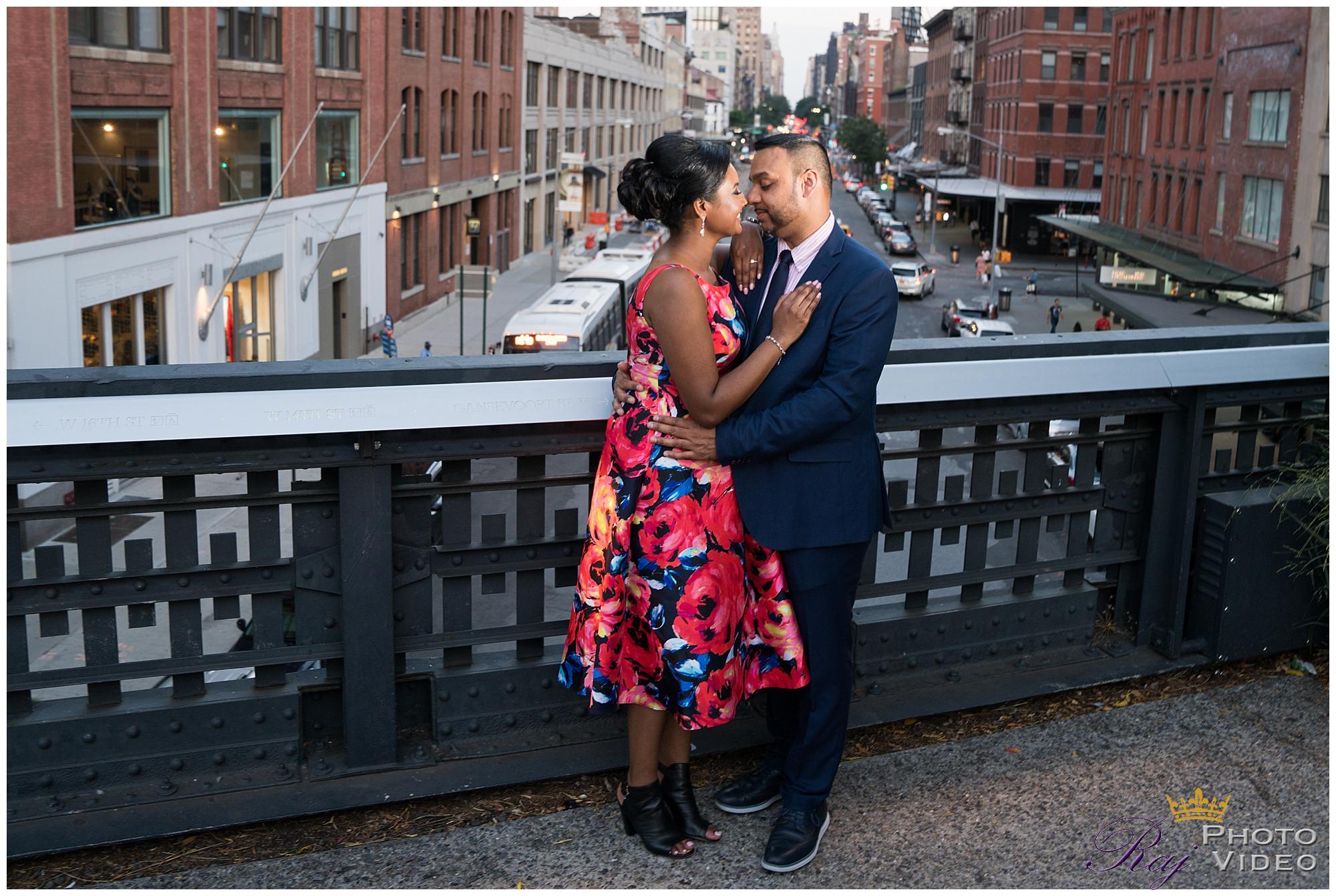 Highline-Bridge-NYC-Engagement-Shoot-Diana-Shaun-3.jpg