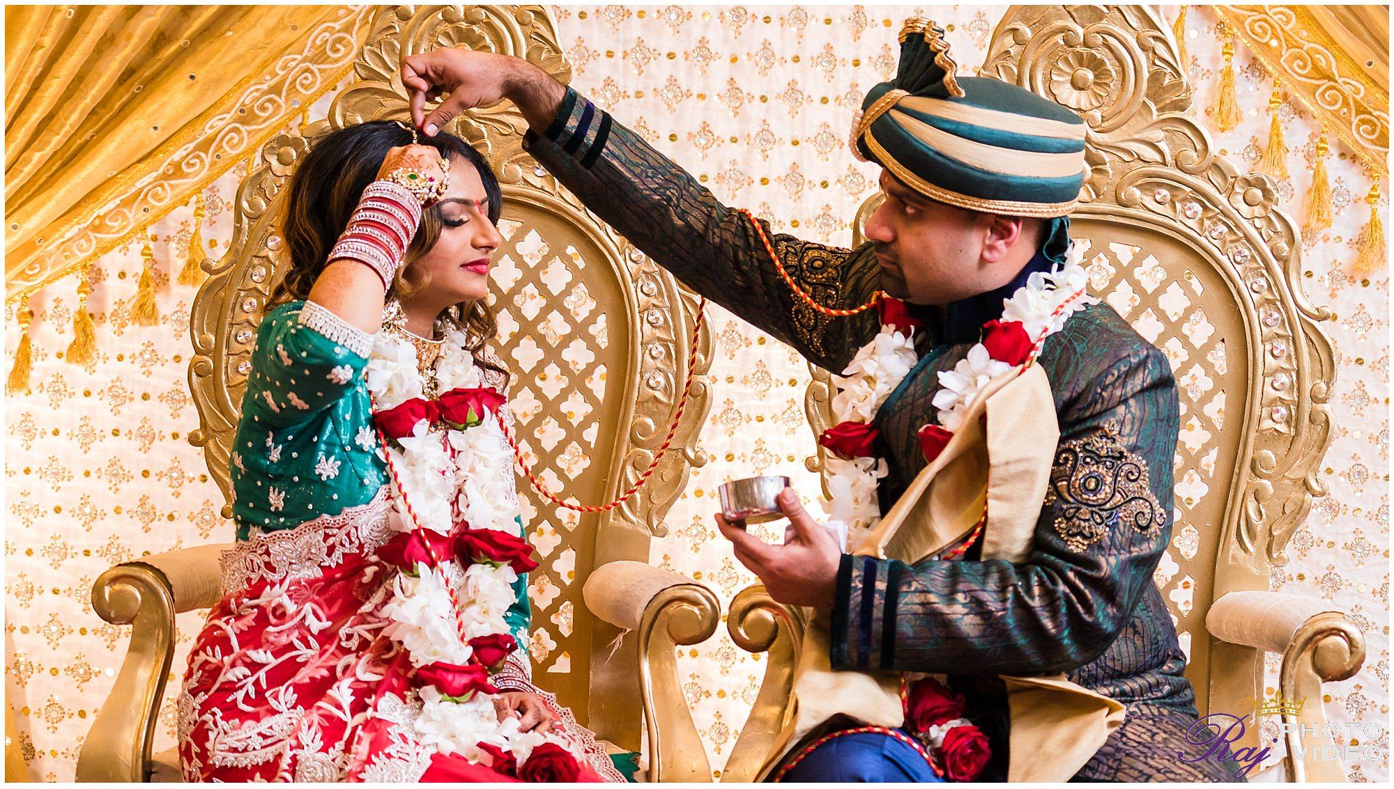 Sri-Guruvaayoorappan-Temple-Marlboro-NJ-Indian-Wedding-Chiyomi-Scott-00028.jpg