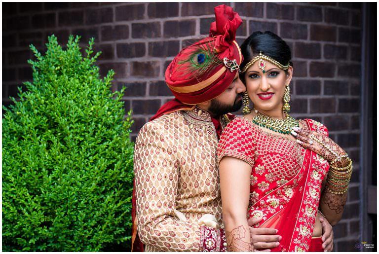 Delta Hotels Baltimore Hunt Valley Hindu Wedding | Keyuri & Prit | Photo Story